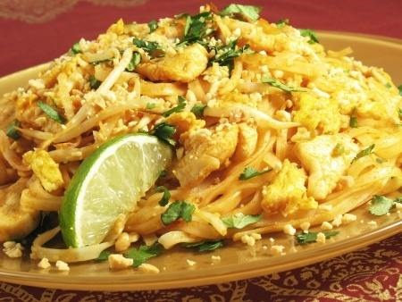 Pad-Thai-Noodles-with-Chicken