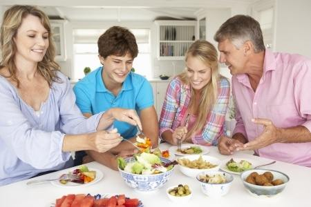 Enjoy good food with following food safty tips in the kitchen