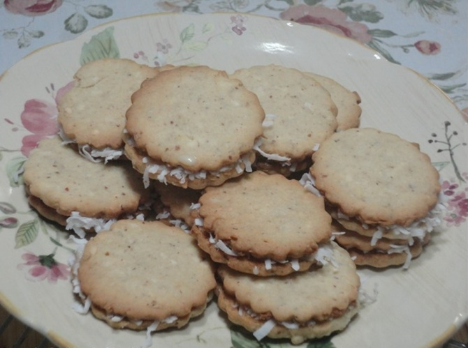 Sweet Milk Sandwich Cookies