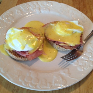 Eggs Benedict with Hollandaise Sauce