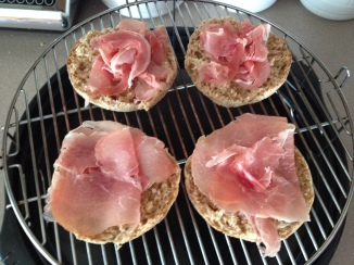 Warming meat and English Muffen for Eggs Benedict