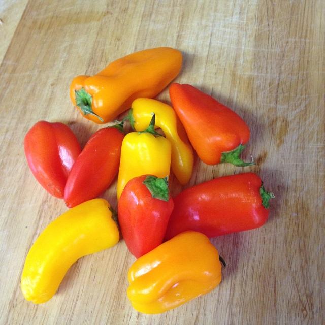 how to cut mini sweet peppers