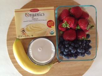 simple ingredients for Berries and Vanilla Pudding Pie