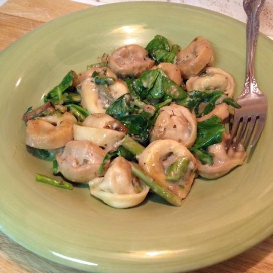 Mushroom Tortellini with Asparagus