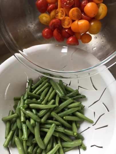 fresh green beans and cherry tomatoes