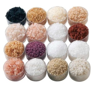 Varying colors of natural salt grains