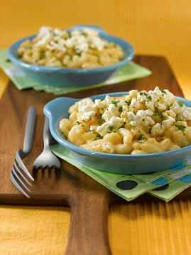 a dinner plate of Popcorn Crusted Macaroni and Cheese