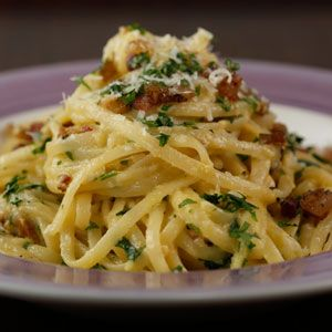 Rachael Ray's Pasta Carbonara Recipe
