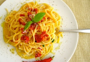 Spaghetti with anchovies and sundried tomatoes