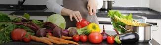 cutting round vegetables