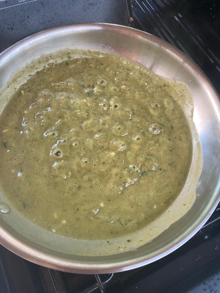 Green Jalapeño and cilantro curry sauce